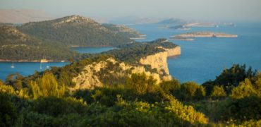 archipelag-kornatow-–-wymarzone-miejsce-na-czarter-jachtu