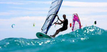 windsurfing-3045927_640